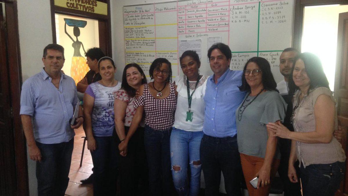 Secretário de Saúde se reúne com servidores do Caps, promete reforma e construção de um novo centro
