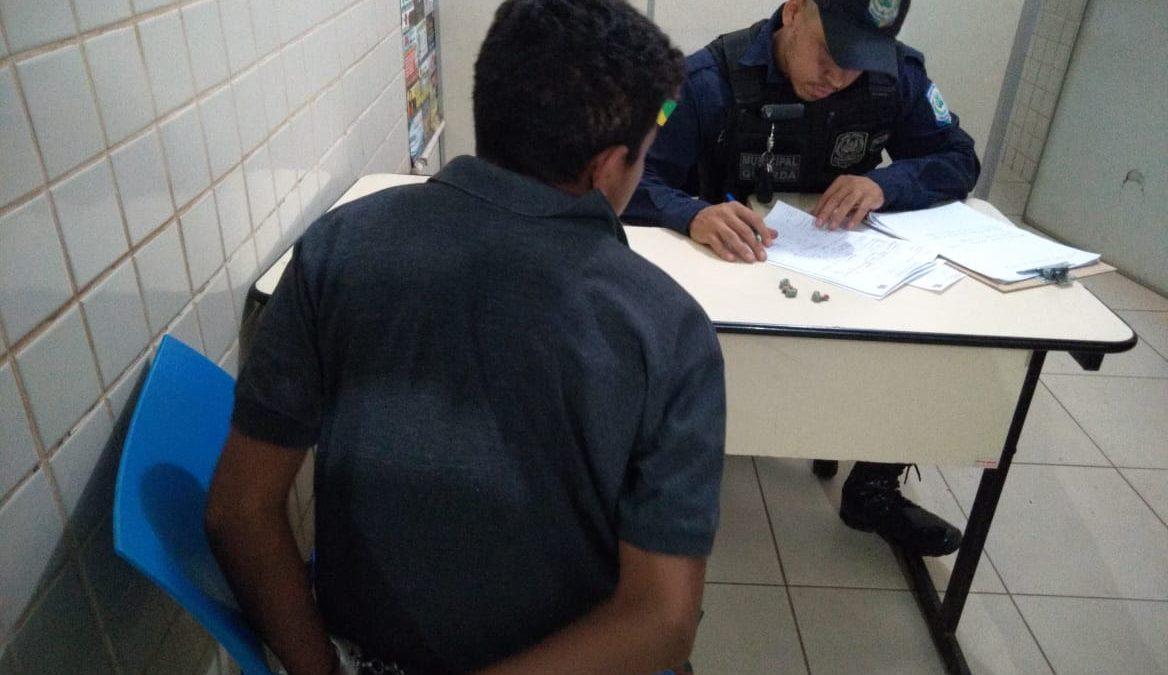 """Adolescente """"pego"""" com drogas na rodoviária acumula cinco passagens pela polícia e um homicídio"""