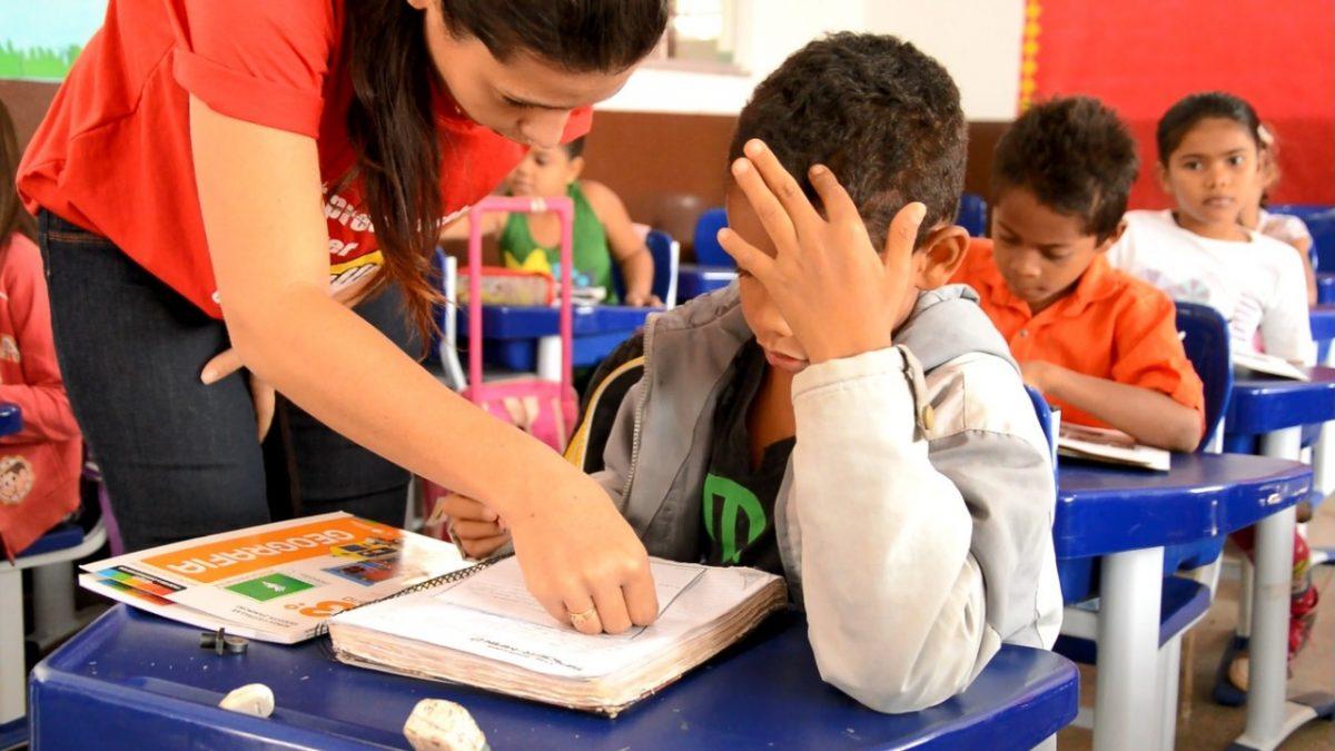 Em Canaã, professores recebem formação para implantação de novo método na alfabetização