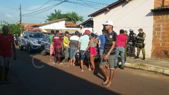 Dupla invade bar no bairro da Paz, ordena a saída de todos e executa ex-presidiário