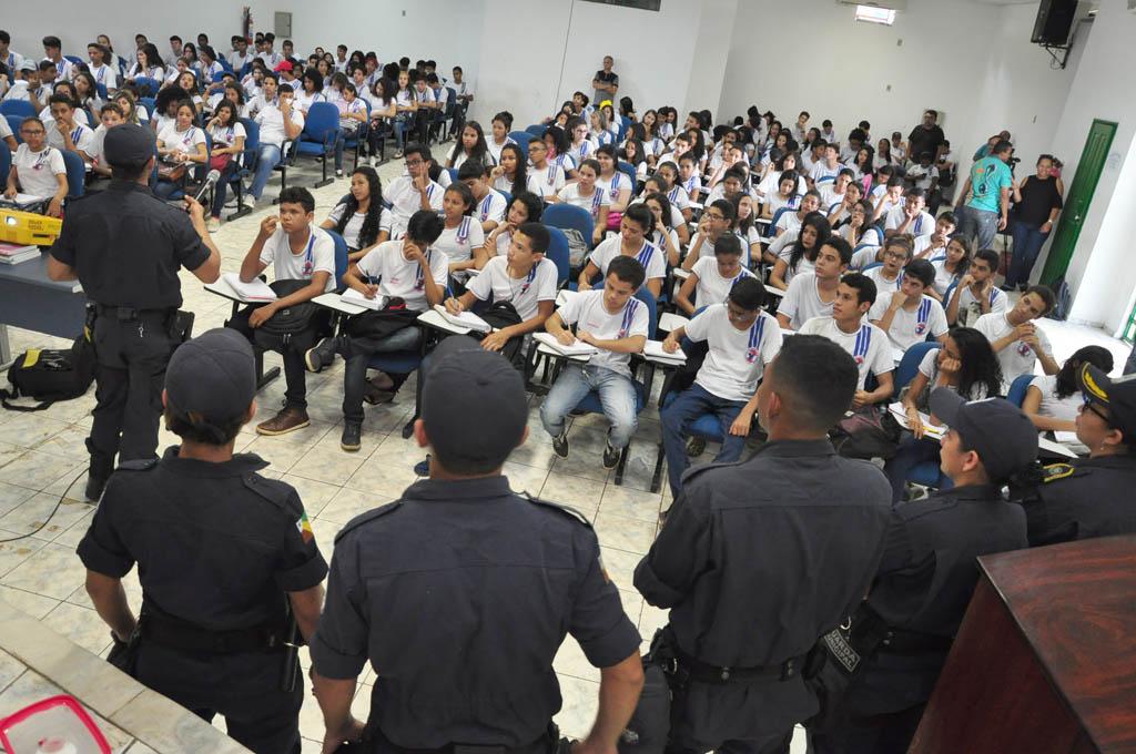 Guarda Municipal de Parauapebas trabalha por cultura de paz nas escolas