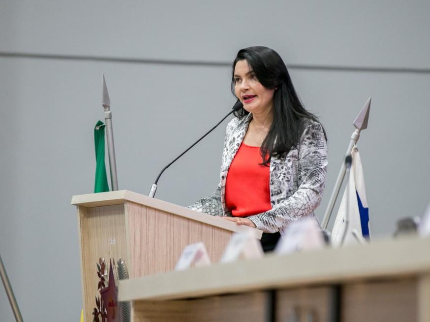Vereadora Eliene Soares sugere ações, obras e políticas públicas na área de saúde de Parauapebas