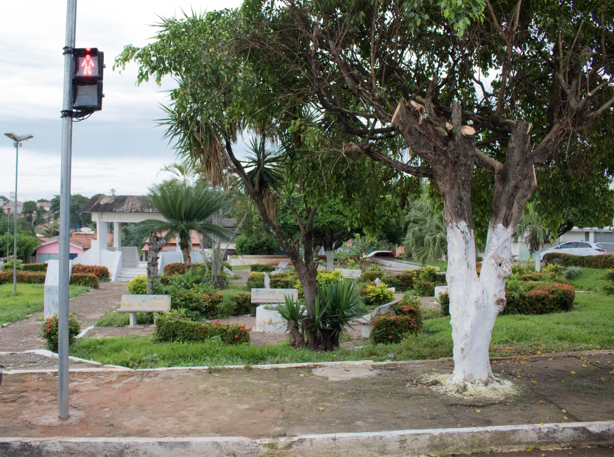 Sistema de semáforos começa a funcionar no cruzamento da Tucupi com Carlos Santos