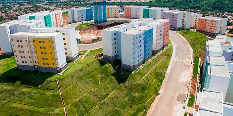 Famílias resolvem pendências e recebem apartamentos do Alto Bonito