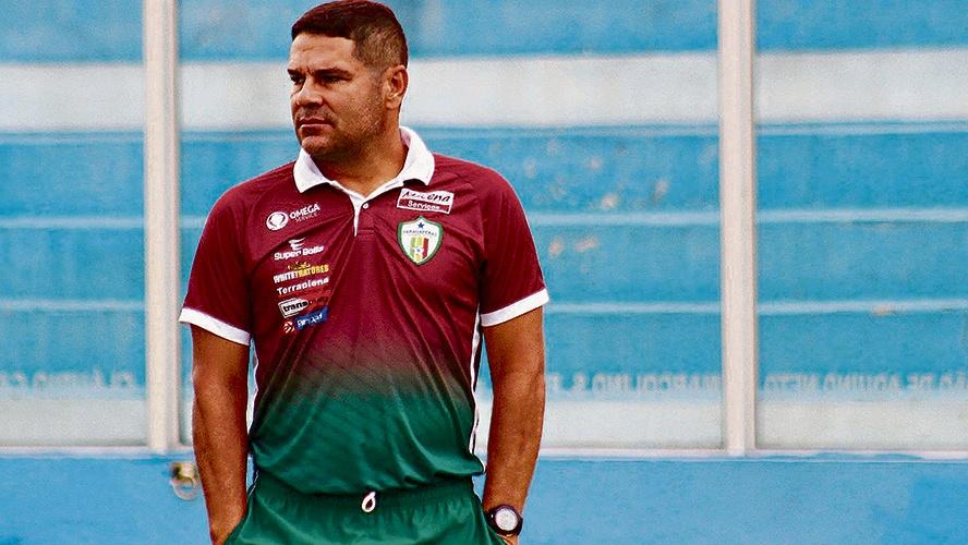 Com dificuldades, Léo Goiano abre a 'caixa' e garante que ficará no Parauapebas Futebol Clube