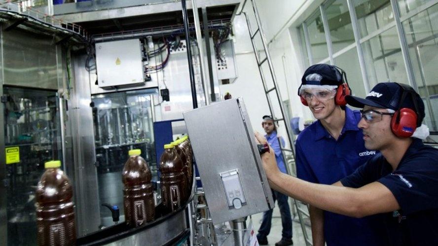 Ambev e White Martins selecionam estagiários e trainees no Pará