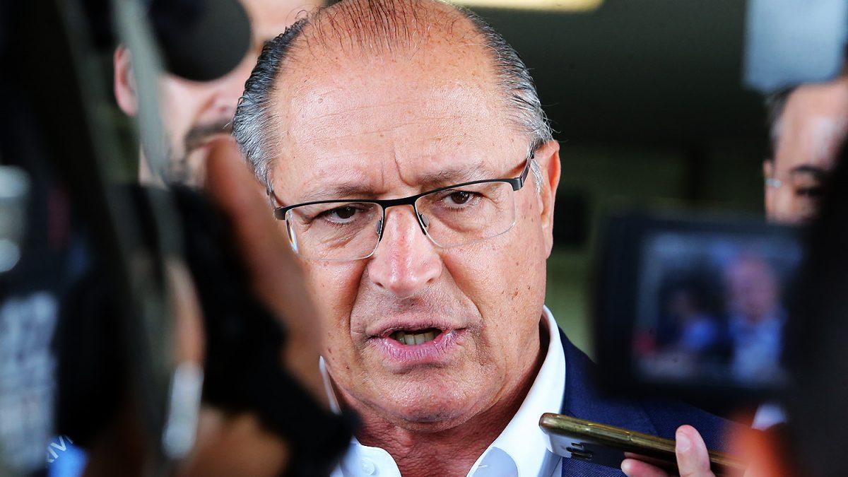 'Bolsonaro e o PT são a mesma coisa', diz Alckmin