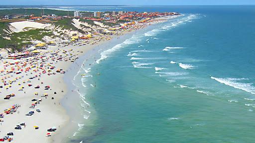 Praias de Salinas seguem fechadas após decisão judicial e decreto segue válido em todo Estado